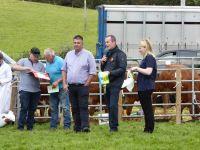 Glyn Howatson Cattle Interbreed Judge awarding Dau ar Dennyn