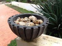 Black concrete pot 2014.Vale Ferro