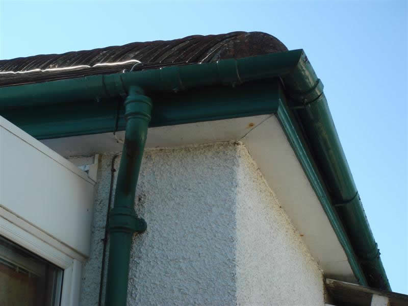 UPVC ROOFLINE FASCIAS GUTTERS SOFFITS REPAINTING AND