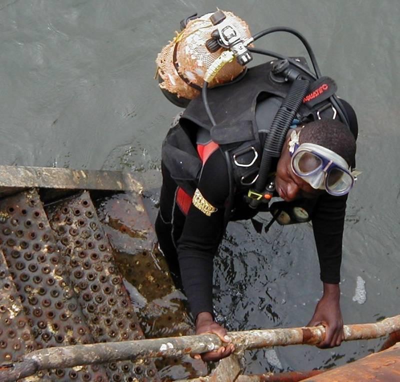 Diver Sierra Leone